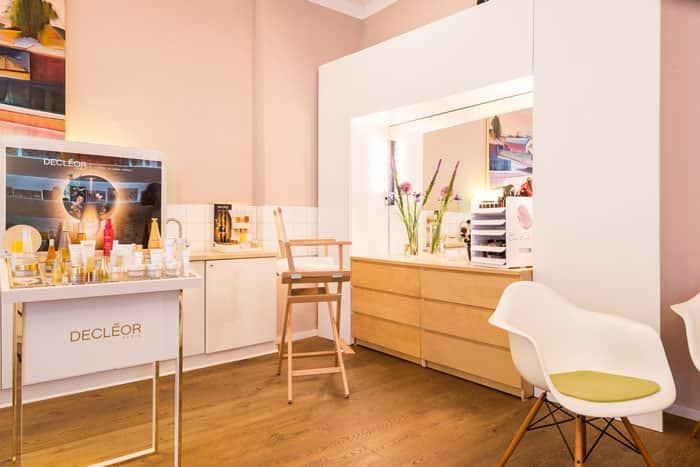 Cosmetic Studio Blank